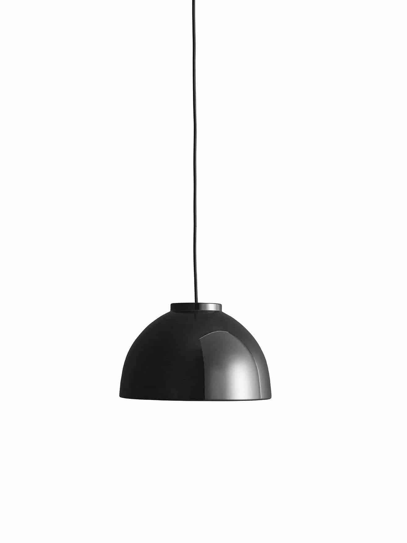 Tine Lampen er designet i 2009 af Jens-Christian Jensen. Lampen er håndlavet i optrykt aluminium