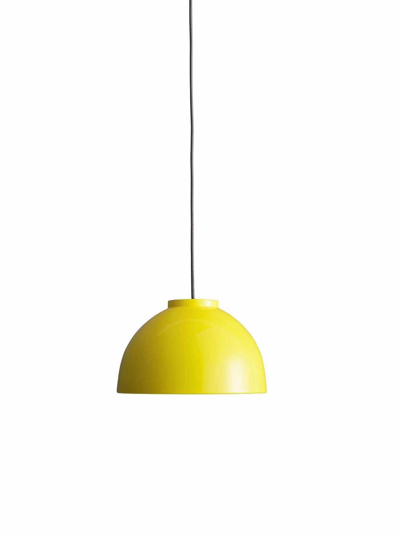 Tine Lampen er designet i 2007 af Jens-Christian Jensen. Lampen er håndlavet i optrykt aluminium