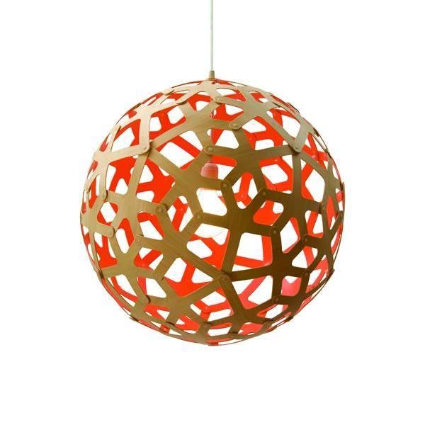 Coral pendant´s form er baseret på strukturen af et geometrisk polyhedron. Hvert stykke er identisk