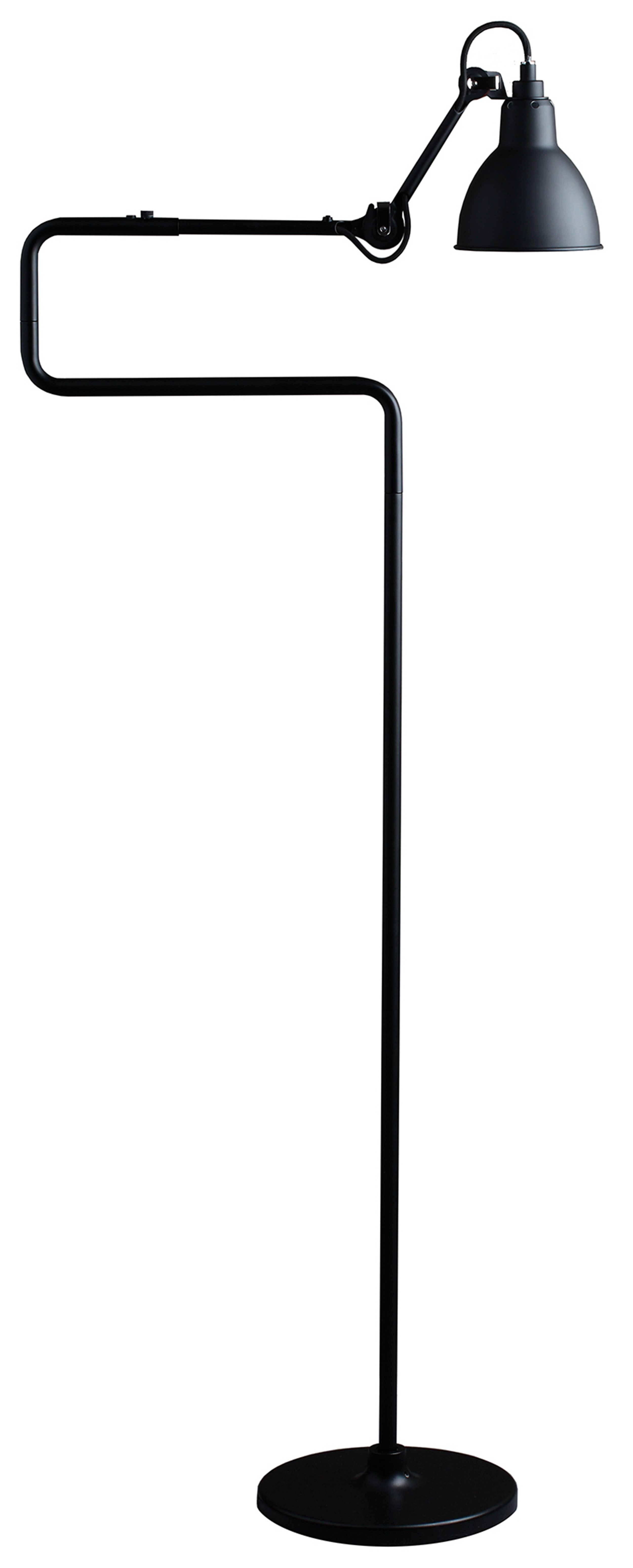 Den nye 411 standerlampe er lavet til nemt kunne svinges ind over et bord