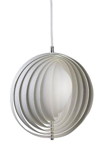 Et af Verner Pantons tidlige designs. Moon fik sit navn efter sin form og det fantastiske bløde lys den giver.