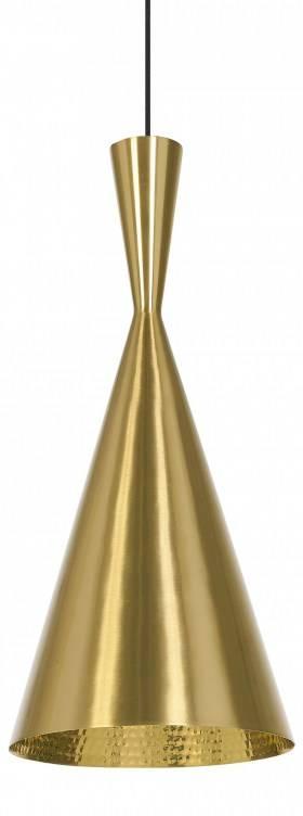 Aflang og kegleformet pendel i messing fra serien Beat Light. Lampen er håndbanket på indersiden af indiske håndværksmestre fra Moradabad i det nordlige Indien. Beat Light serien fås både i messing